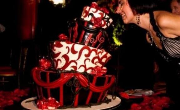 Neįprastų formų tortai