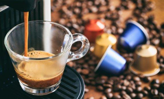 Kapsuliniai kavos aparatai: kodėl verta juos įsigyti?