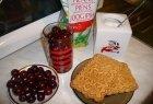 Sriuba su sausainukais ir vyšniomis