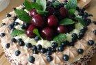 Vasariškas uogų tortas