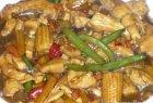 Kiniška vištiena su daržovėmis