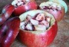 Kepti obuoliai įdaryti bananais