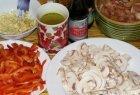 Vištiena su paprikomis ir pievagrybiais kiniškai