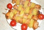 Vištienos šašlykas su ananasais
