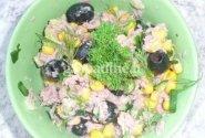 Tuno ir kukurūzų salotos
