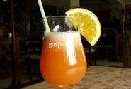 Apelsinų sulčių ir putojančio vyno gėrimas