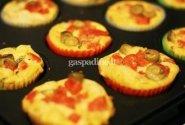 Anira: Keksiukai su pomidorais ir mocarela