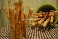 Duonos lazdelės su kmynais ir krapais