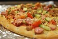 Pica su dešrelėmis