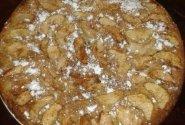 Biskvitinis obuolių pyragas