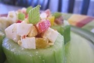 Salotos agurkų griežinėliuose