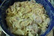 Šašlykas grietinės - svogūnų - ananasų marinate