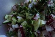 Ridikėlių ir agurkų salotos