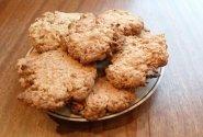 Avižiniai sausainiai su kokosu ir riešutais