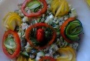 Trispalvės salotos su vištiena