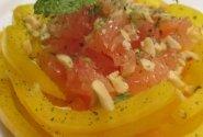 Geltona paprika su  kriauše ir greipfrutu