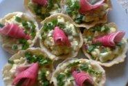 Kiaušinio salotos su krabų lazdelėmis