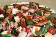 Špinatų salotos su mėsa