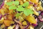 Salotos su violetiniu kopūstu ir apelsinais