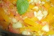 Lengvos kriaušių salotos su geltonąja paprika ir greipfrutu