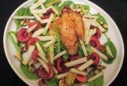 Salotos su vištiena ir trešnėmis