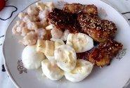 Saldžiai aštrūs vištienos gabalėliai su garnyru