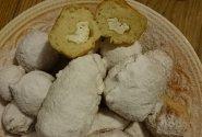Mielinės spurgos su varške