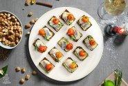 Sluoksniuoti sumuštiniai su morkų-avokadų putėsiais ir ZIGMO silke