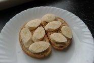 Sumuštiniai su naminiu žemės riešutų sviestu