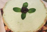 Kokosinis sūrio pyragas su žaliąja arbata