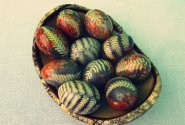 Natūraliai dažyti naminiai kiaušiniai