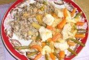 Vištienos krūtinėlė su daržovėmis ir ananasais