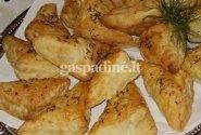 Bukeriai - totoriškos sluoksniuotos tešlos bandelės su žuvimi