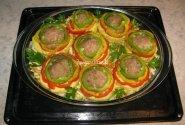 Daržovių troškinys su mėsos kukuliais