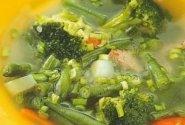 Kaimiška sriuba su brokoliais