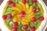 Biskvitinis tortas su vaisiais