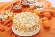 """""""Šarlotė"""" su persikų kremu"""