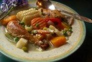 Argentinietiškas vištienos troškinys su lauro lapeliais