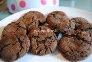 Šokoladiniai melasos sausainiukai