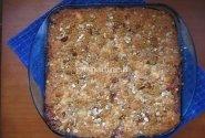 Pyragas su uogų džemu ir riešutais