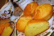Kvietinių ir kukurūzų miltų keksai