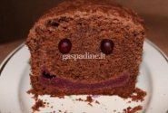 Šokoladinis pyragas su uogų įdaru