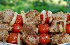 Jautienos šašlykai su pomidorais