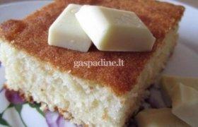 Balto šokolado pyragas