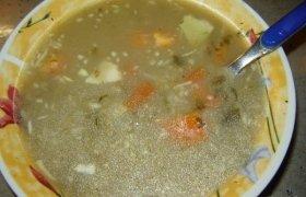 Miežinių kruopų sriuba su rūgštynėmis