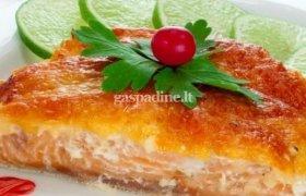 Orkaitėje kepta lašiša su sūriu