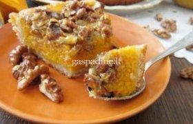 Moliūgų ir riešutų pyragas