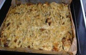 Makaronų ir mėsos apkepas pietums