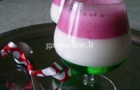 Želės, varškės ir kokosų pieno desertas