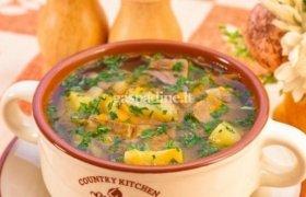 Kopūstų sriuba su šaltai rūkyta dešra